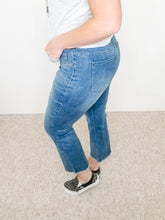 Load image into Gallery viewer, TRIBAL Jeans Audrey Pull-on Dk Vintage Straight Crop