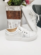 Load image into Gallery viewer, CORKYS Pina Colada Silver Metallic Sneakers