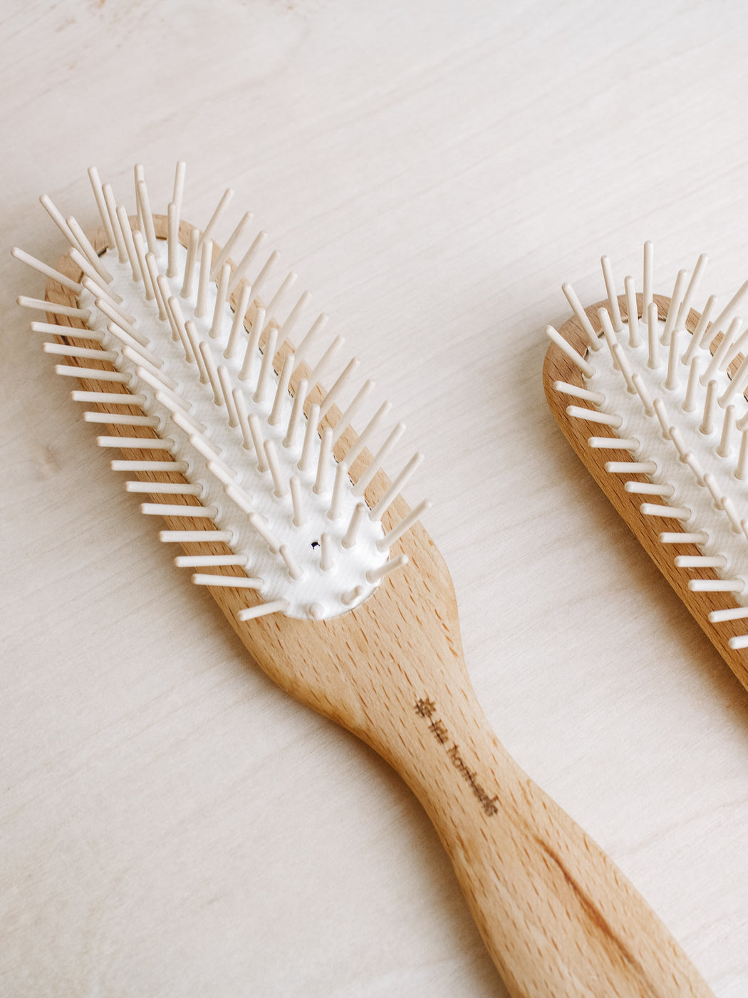 Iris Hantverk- Hair Brush w/Wood Bristles