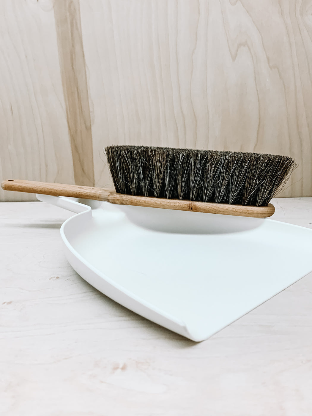Iris Hantverk- Brush and Dust Pan Set