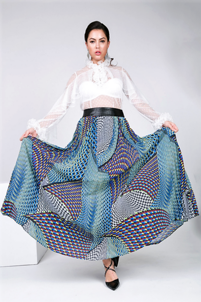 Gorgeousnes On A Geo Maxi Skirt