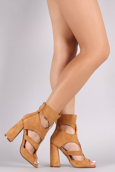 Wide Strappy Chunky Heel