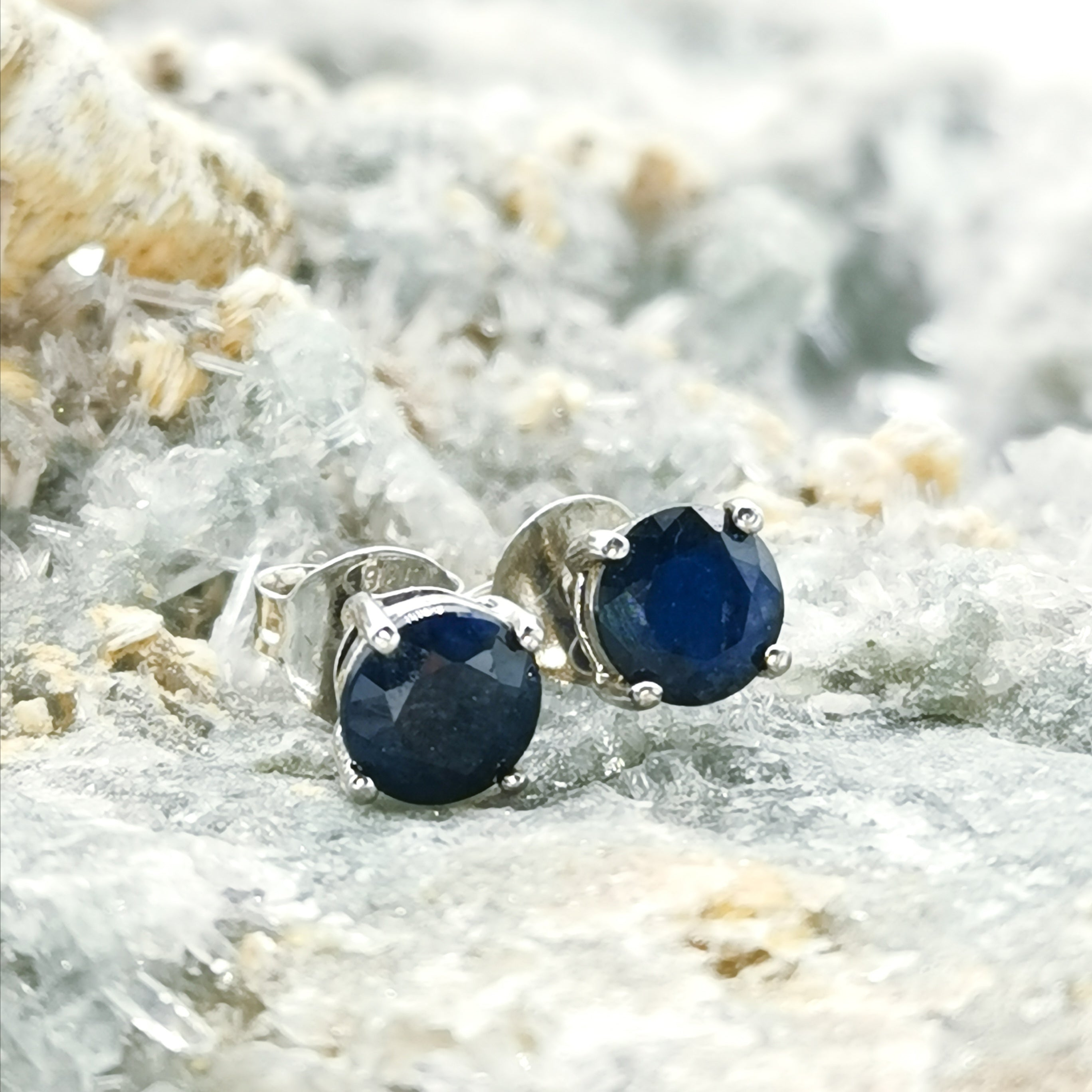 (Fearless) Stud Earrings In Sapphire