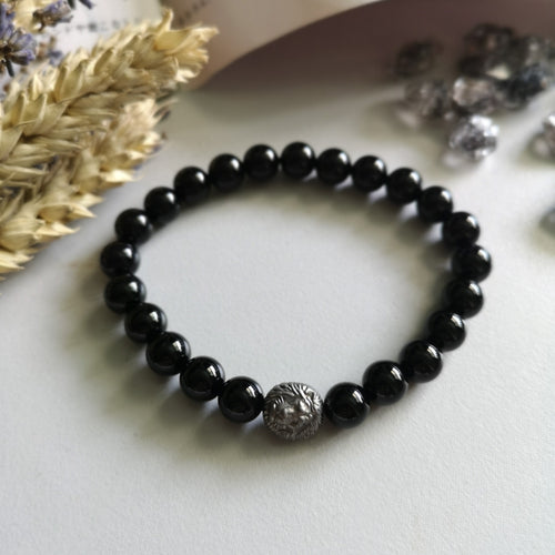Onyx WIth Hematite Lion charm (8MM Beads)