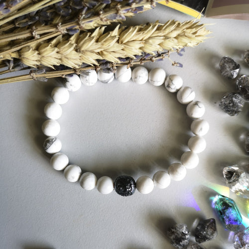 Howlite x Lion (8MM Beads)