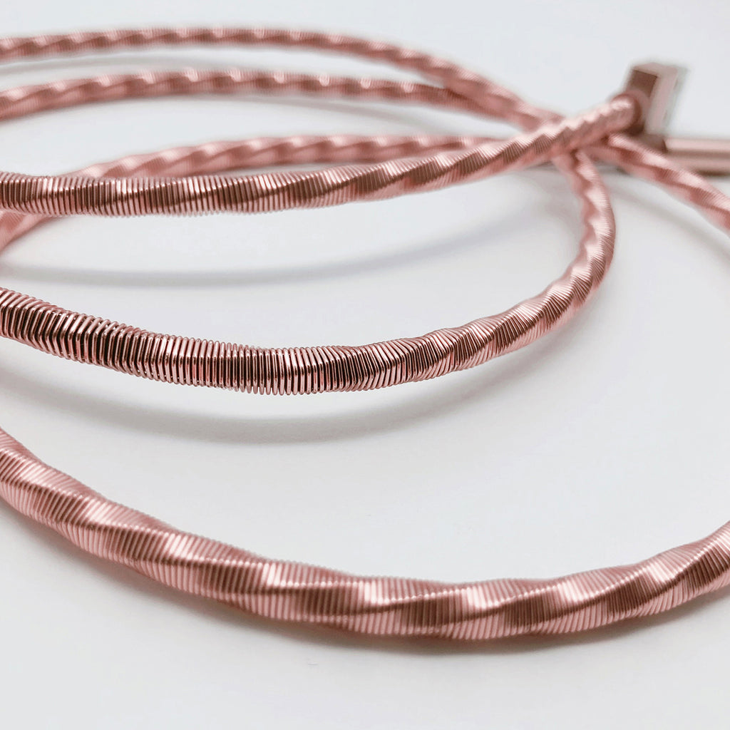 LIGHTNING CABLE: COMBAT ROSE 1M