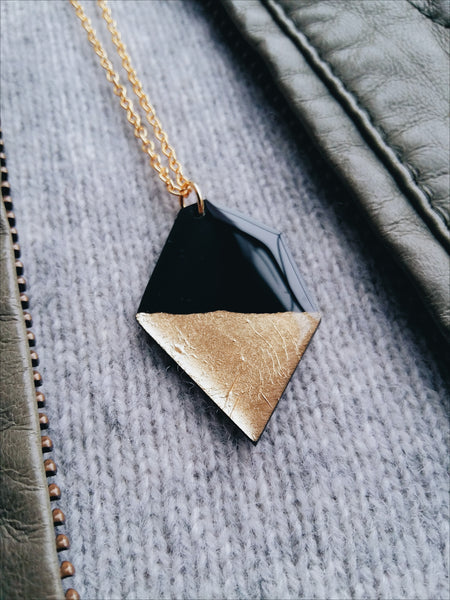Geometric nugget necklace in black and gold / upcycled necklace