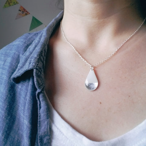 Chic teardrop vinyl record necklace in white and silver