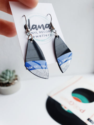 Upcycled vinyl record dangle earrings / black and blue