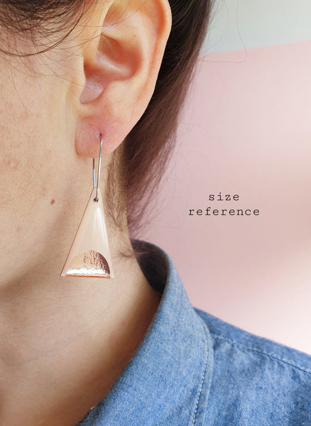 Minimal triangles in retro pastel mint green in rose or yellow gold / upcycled slow fashion
