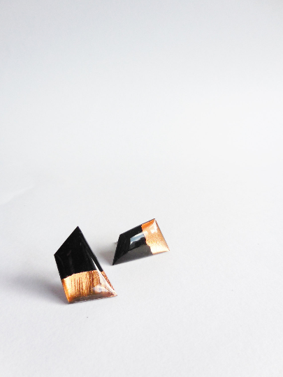 Geometric copper dipped resin stud earrings
