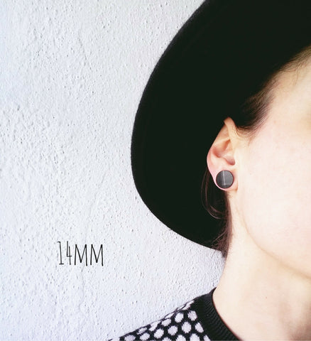 14mm plain black vinyl record stud earrings