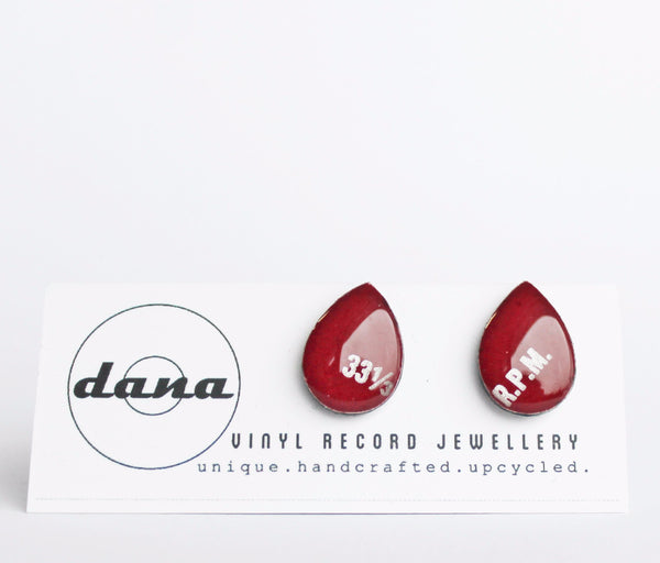 Eco-friendly jewelry / dark red stud earrings