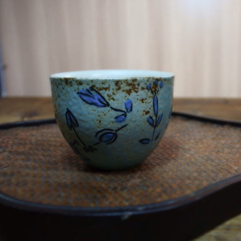 Yangyang Li Jingdezhen patterned painted pottery teacup