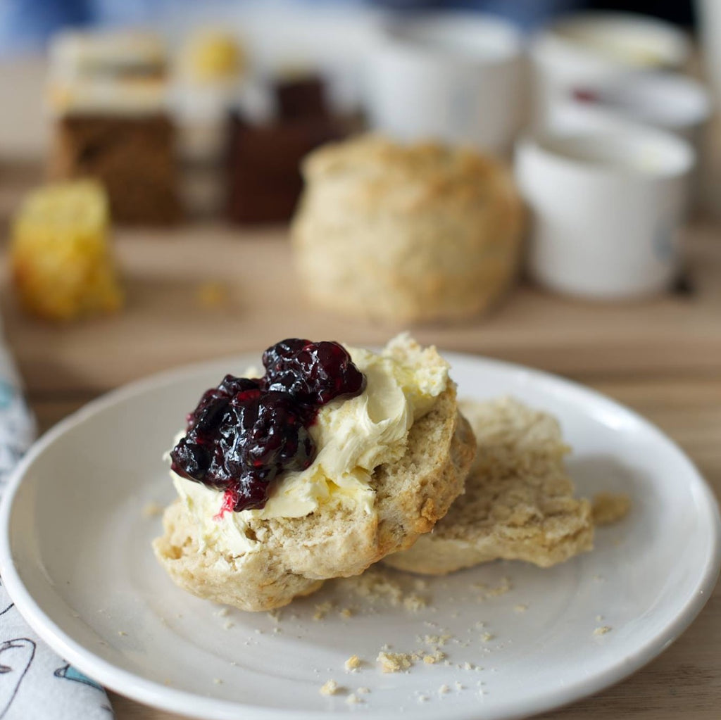 EAT IN : Comins Blueberry Scone with Jam & Clotted cream  [To eat in store]