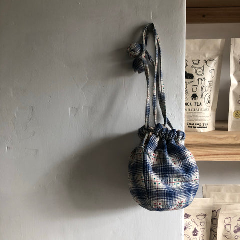 Small Blue Checked drawstring Teapot Bag with green & red dots | Zhu Ring Studio Jingdezhen