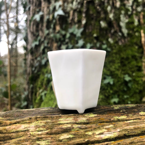 White Porcelain Hexagon Cup [Hye-Jin Lee : Boseong, South Korea ]