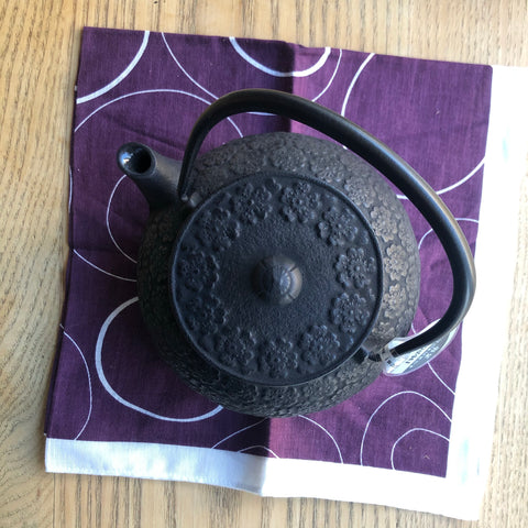 Japanese Cast Iron Teapot BLACK FLOWER [IWACHU] 0.55L