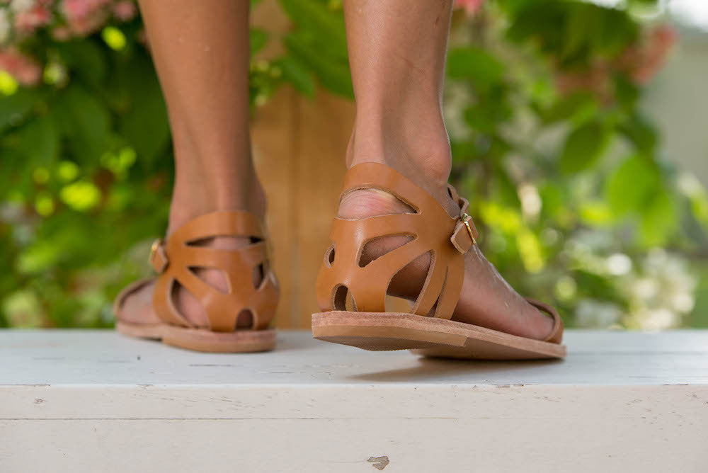Paphos sandals in Tan leather with heel detail