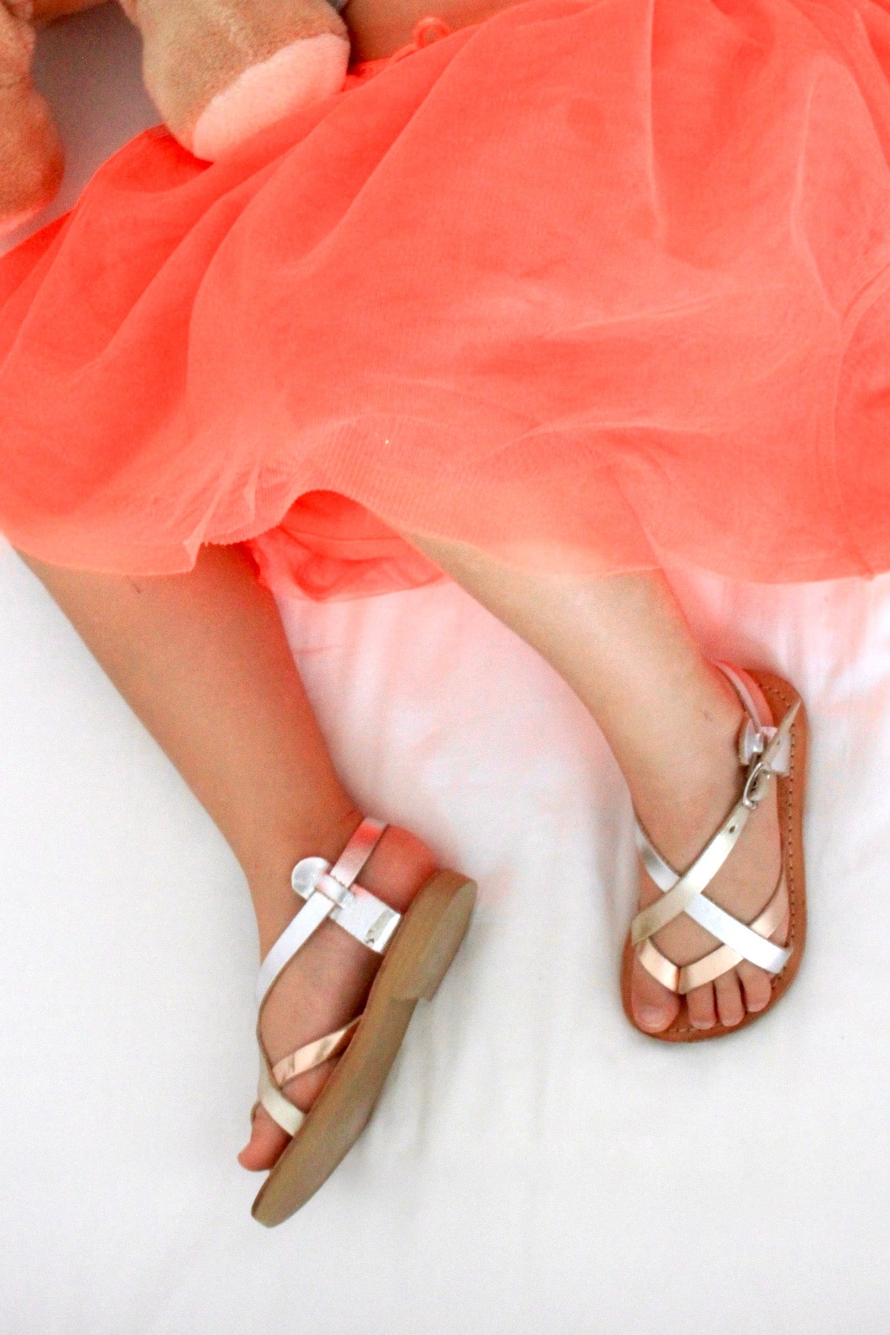 Mini Athena girls leather sandals in silver and rose gold