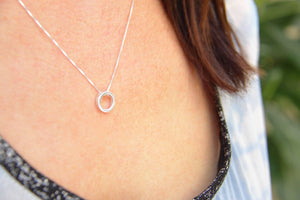 Circle Pendant Necklace in 925 Silver - Kardia