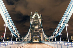 "Photographie ""Tower Bridge"" par Genaro Bardy - Série Ville déserte"