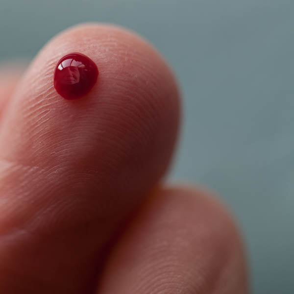 "Blood story - Série ""I LOVE MY DIABETES"" - Photographie de Clarisse Rebotier"
