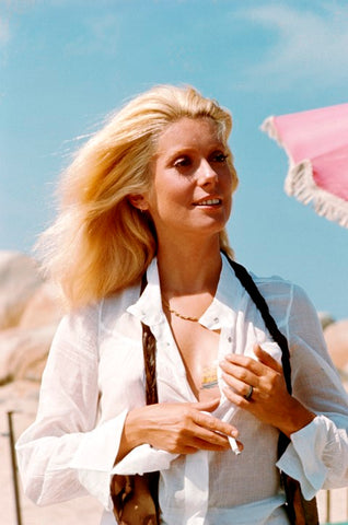 CATHERINE DENEUVE - 1971 PHOTOGRAPHIE DE JEAN-CLAUDE DEUTSCH