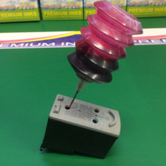 Picture shows where to refill magenta ink in the Canon CL541 Colour cartridge.