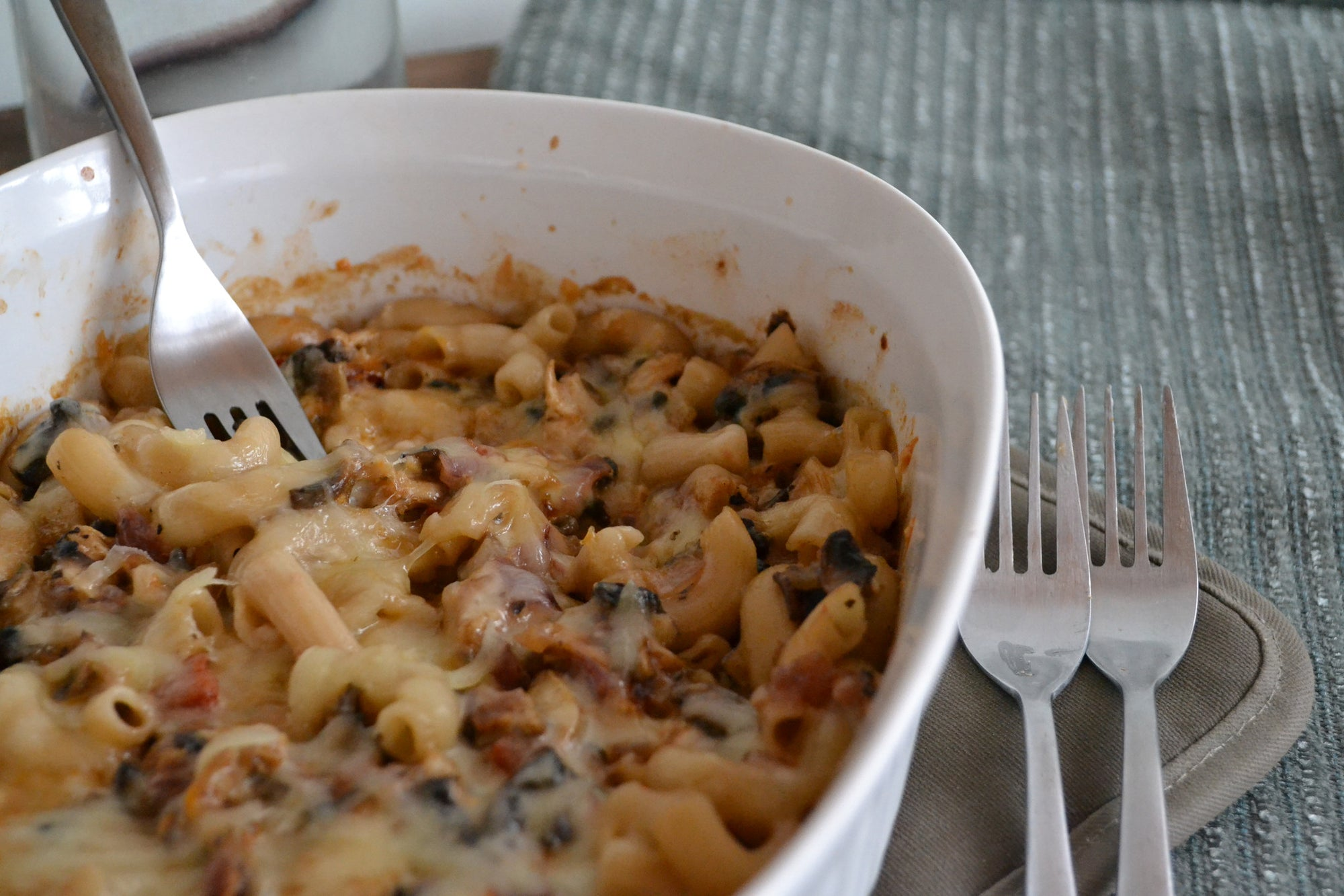 Gluten-Free Mac & Cheese & Chicken Casserole