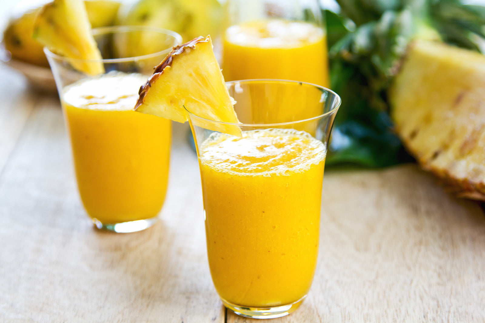 Mango Pineapple Smoothie with Coconut Milk