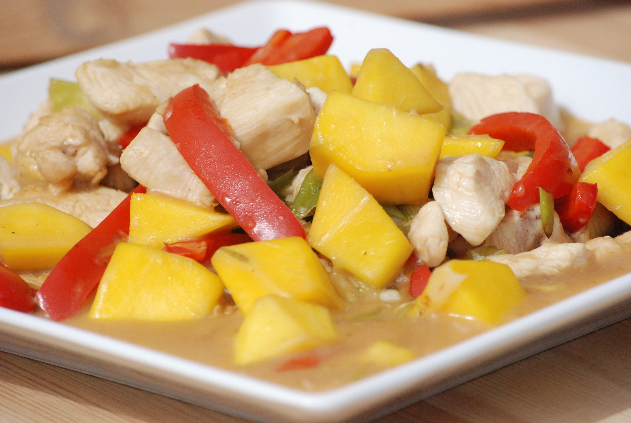 Garlic & Ginger Chicken Mango Stir Fry