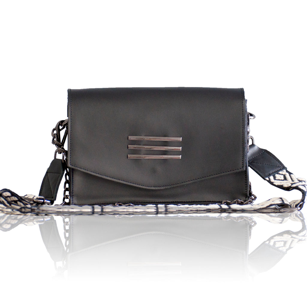 Perla  Black Leather