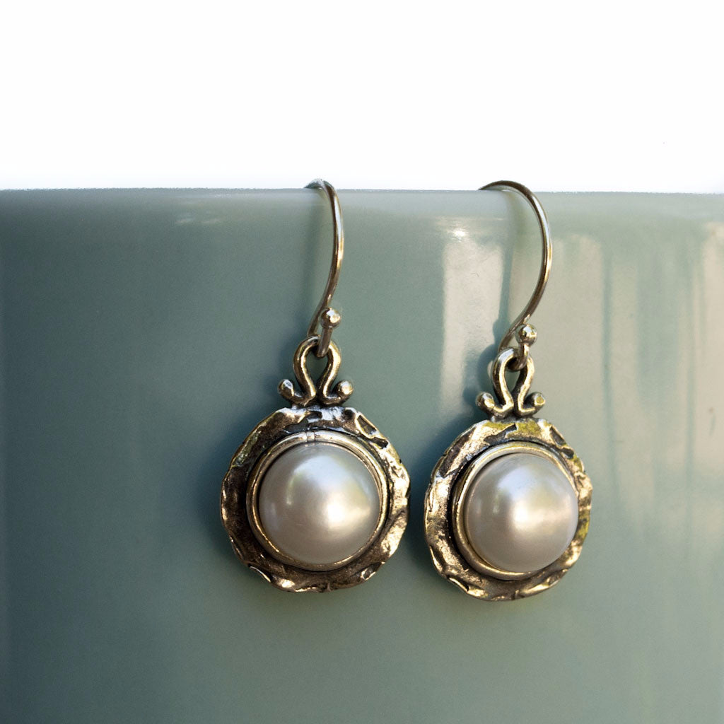 Romance Pearl Earrings