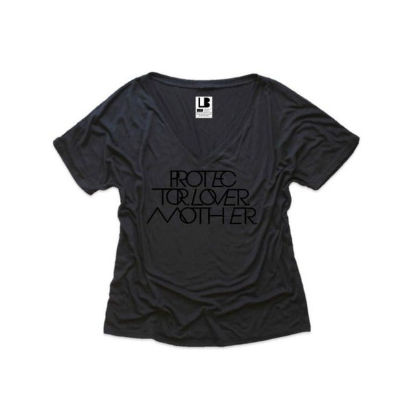 INTERLOCK PROTECTOR LOVER MOTHER® BLACK OUT VNECK TEE