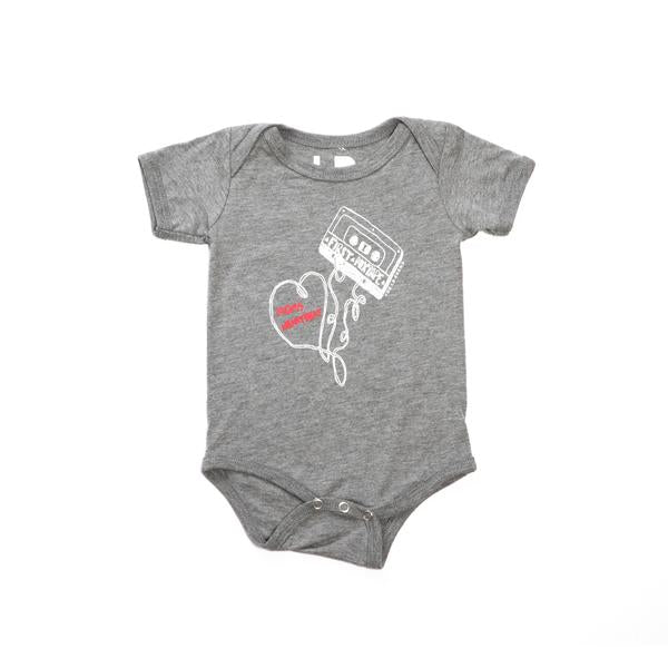 FIRST MIXTAPE MOMS HEARTBEA BABY ONE-PIECE - GRAY TRI-BLEND