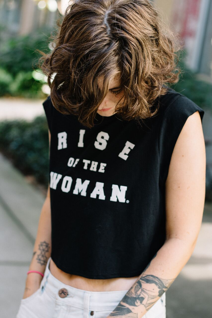 RISE OF THE WOMAN®️ CROP TANK - BLACK
