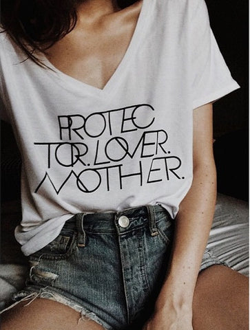 INTERLOCK PROTECTOR LOVER MOTHER® WHITE VNECK TEE