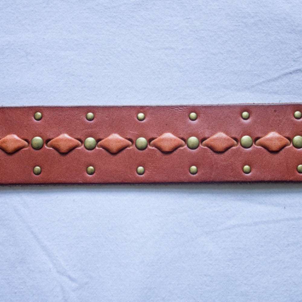 Cut-Out Stud Belt