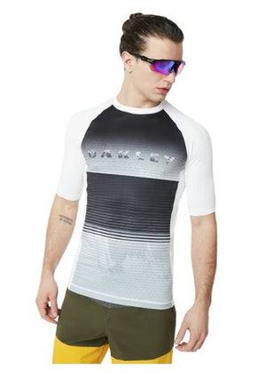 OAKLEY CHANDAIL ASYMETRICAL DYNAMIC RASHGUARD
