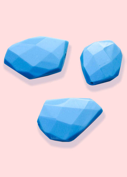 "A&SB Crystal - Free Form Cut Glass ""Stone Like"" - Powder Blue 26x34mm (3pcs)"