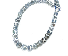 A&SB Stone - Round Stone - Cracked Agate 10mm Faceted w Grey Blue and White Giraffe Pattern 15.5in'/st