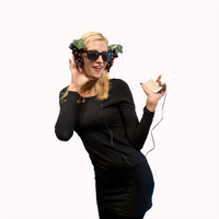 Heard it through the grape vine Halloween Costume Funny Pun Headphones