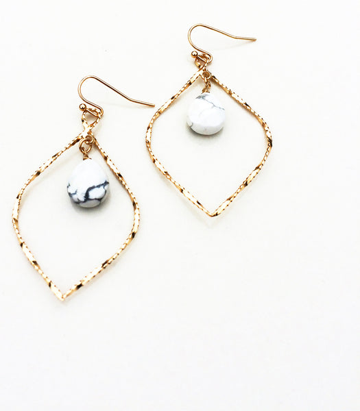 Hammered Gold Marble Stone Earring