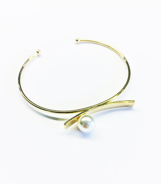 Balancing Pearl Bangle