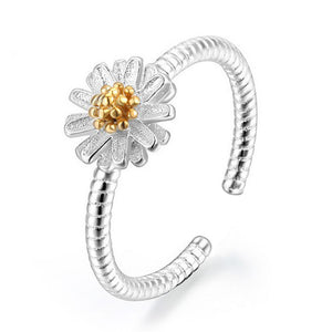 Silver Daisy Flower Ring | Loulu Charms