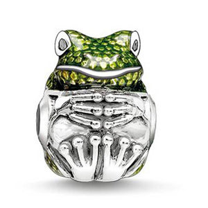 Contemplative Green Frog Charm