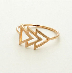 Triangle Ring - Midi Rings