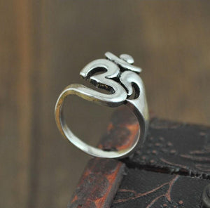 Om Ring | Loulu Charms