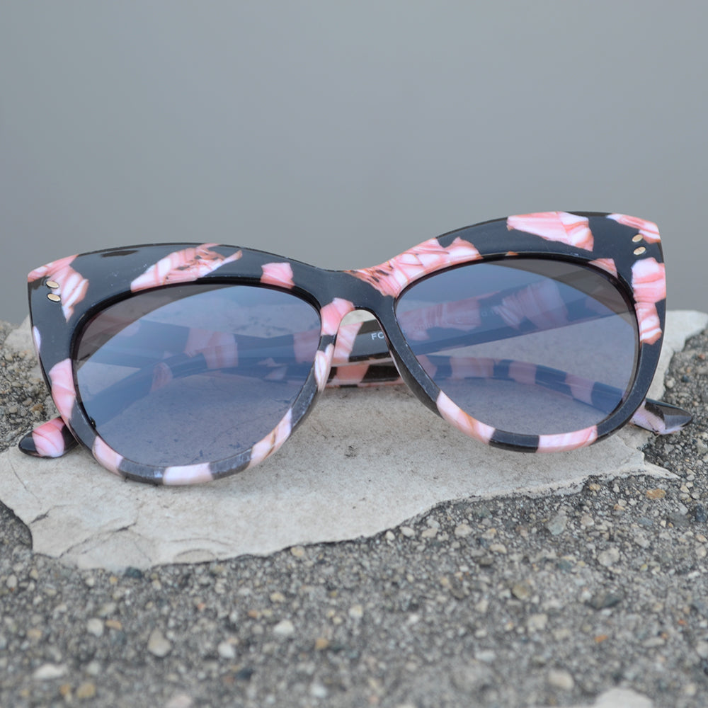 Dynasol Eyewear - Wholesale Sunglasses - FC 6406 - Vintage Flared Cat Eye Women Plastic Sunglasses - sunglasses